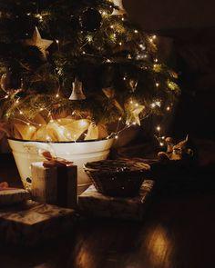 Cosy Winter, Christmas Tree, Holiday Decor, Home Decor, Teal Christmas Tree, Homemade Home Decor, Cozy Winter, Xmas Trees, Interior Design