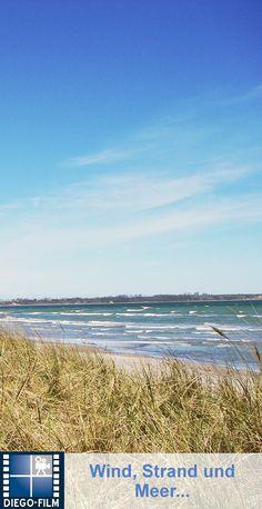 Wellen, Wind und Meer. Gibt es etwas schöneres? http://diego-film.de/ ... #ostsee #strand #meer #wind