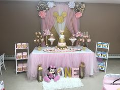 Minnie Mouse gold and pink birthday party Minnie Mouse Birthday Decorations, Minnie Mouse Theme Party, Minnie Mouse First Birthday, Minnie Mouse Baby Shower, Minnie Mouse Pink, 1st Birthday Girls, Mouse Parties, Disney Birthday, Birthday Parties
