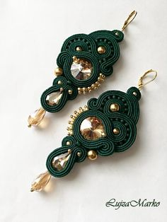 Elegant earrings in dark green (smaragd) color are hand sewn from soutache, glass gold crystals, green and gold TOHO beads, beads. Fastening is mechanical hook in gold-plated.. The back side is ultrasuede.  Size: approx. 9,0 x 4,3 cm with the hook  The earrings are made and shipped 5-10 days from Green Earrings, Teardrop Earrings, Boho Earrings, Fabric Jewelry, Beaded Jewelry, Handmade Necklaces, Handmade Jewelry, Soutache Tutorial, Soutache Necklace