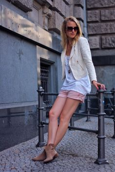 Laid Back Cute Look...Got To Find Those Booties