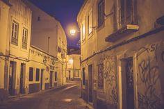 Ruas em Almada Velha, Portugal