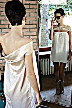 Abito Peut-être a T in seta e jersey di cotone bianco.Si puó indossare in 2 modi.