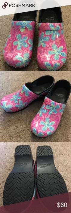 Dansko Crazy Daisy Size 40 Shoes Size 40 Dansko Crazy Daisy Shoes $60. Worn twice and need some fun feet!! Dansko Shoes Mules & Clogs
