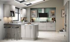 Modern Contemporary Zola Gloss Kitchen in Cashmere Cashmere Gloss Kitchen, High Gloss Kitchen, Modern Kitchen Cabinets, New Kitchen, Kitchen Ideas, Kitchen Designs, Kitchen Inspiration, Luxury Kitchens, Home Kitchens