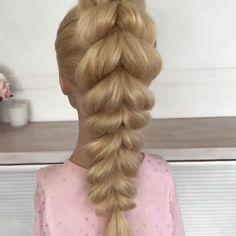 Pull Through Braid Tutorial Tirez sur la tresse tutoriel - Easy Hairstyles, Girl Hairstyles, Wedding Hairstyles, Updo Hairstyles Tutorials, Latest Hairstyles, Curly Hair Styles, Natural Hair Styles, Hair Upstyles, Beautiful Braids