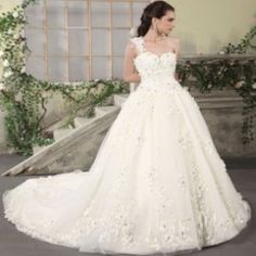 5 Best White Gown Dresses