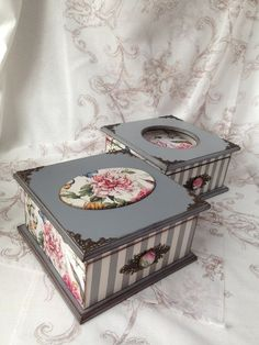 Decoupage Vintage, Decoupage Box, Painted Jewelry Boxes, Painted Boxes, Wooden Boxes, Pretty Box, Altered Boxes, Jewellery Boxes, Vintage Box