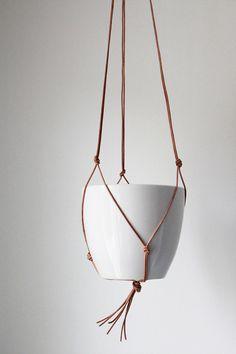 Bambula: DIY | Helppo amppeli nahkanarusta