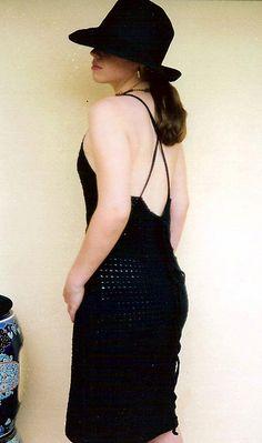 LIttle Black Dress - roundup of 10 free crochet dress patterns for women!