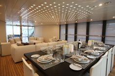 Yacht Dinningroom. Beautiful!