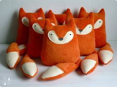 Baby Sewing Projects, Sewing Crafts, Fox Toys, Handmade Stuffed Animals, Fox Decor, Creative Textiles, Fabric Animals, Fox Pattern, Fabric Toys