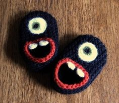 hand knit monster slippers - grrrr these would be awesome IF i knew how to knit, or knew anyone with a baby...