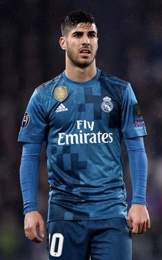 Asensio Best Football Players, Football Is Life, Soccer Players, Soccer Stars, Sports Stars, Equipe Real Madrid, International Soccer, Sports Uniforms, Dear Future Husband