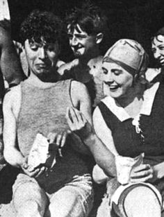 Charlie and Edna Purviance. Looks like they've been swimming. I adore this picture! :)