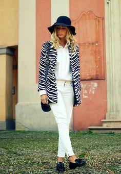 zebra coat, animal print, white, office, brogues, basic, simple, hat, model, themidniteblues, http://themidniteblues.blogspot.it/2013/11/zebra.html
