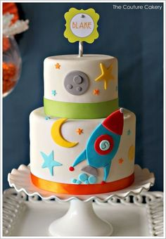 A clever Outer Space Birthday party with a modern color scheme, oodles of creative details and a beautiful table of solar snacks. Created by Jasmine Clouser of The Couture Cakery. Baby Cakes, Cupcake Cakes, Space Baby Shower, Rocket Cake, Outer Space Party, Cake Blog, Cakes For Boys, Cute Cakes, Celebration Cakes