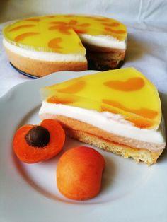 Svieža dobrota pre milovníkov marhúľ. Dessert Recipes, Desserts, Cheesecake, Food, Tailgate Desserts, Deserts, Cheesecakes, Essen, Postres