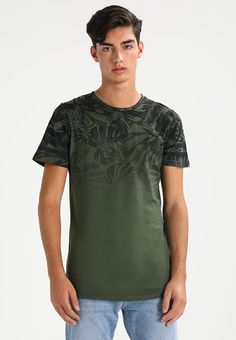 Jack & Jones JORFADE CREW NECK SLIM FIT - Print T-shirt - thyme for £14.99 (08/10/17) with free delivery at Zalando