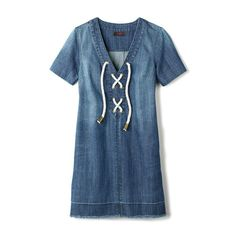 Find a great selection of women's clothing at Avon. With bottoms, tops, dresses, sleepwear and more, Avon carries a complete collection in different styles. Avon Fashion, Fashion Online, Womens Fashion, Fashion Trends, Avon Clothing, Blue Colour Dress, Fashion Catalogue, Get The Look, Jeans