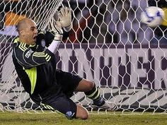 Mais um dos incontáveis penaltis defendidos por são marcos na partida contra o Atlético Mg em 2009