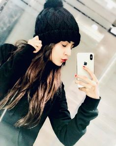 Image may contain: 1 person, phone, selfie, hat and closeup Cute Girl Poses, Girl Photo Poses, Stylish Girls Photos, Stylish Girl Pic, Beautiful Girl Photo, Cute Girl Photo, Crazy Girls, Cute Girls, Girl Pictures