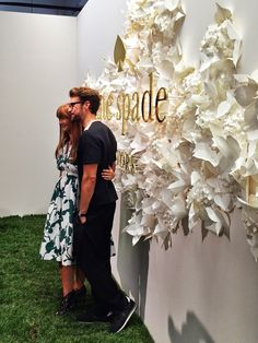 Kate Spade Spring 2015 Presentation - Carly the Prepster Flower Wall Backdrop, Backdrop Design, Paper Flower Backdrop, 3d Paper Flowers, Paper Flower Art, Floral Wall, Floral Wedding, Wedding Flowers, Event Design