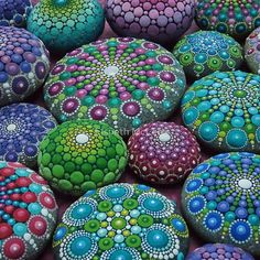 Mandala Stone Collection- Very Berry  von Elspeth McLean
