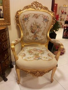 original chair from Versailles - now in the Metropolitan Luxury Furniture, Furniture Decor, Furniture Design, Victorian Furniture, Victorian Decor, Elegant Home Decor, Elegant Homes, Sofa Chair, Armchair