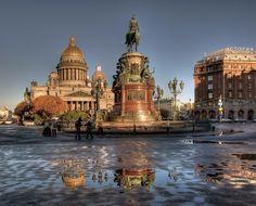 С добрым утром серый Питер, золотые купола с новым днём, моя столица, и Нева, и берега