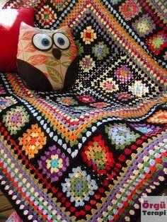 Point Granny Au Crochet, Crochet Squares Afghan, Crochet Motifs, Crochet Quilt, Granny Square Crochet Pattern, Crochet Blanket Patterns, Knitting Patterns, Crochet Pillow, Patchwork Patterns
