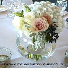 15 Ideas diy wedding table centerpieces vases for 2019 Simple Elegant Centerpieces, Wedding Table Centerpieces, Flower Centerpieces, Elegant Table, Fishbowl Centerpiece, Centerpiece Ideas, Wedding Vases, Table Wedding, Floral Wedding