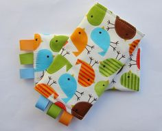 Sucking pads (or drool pads, teething pads, strap wraps, chew pads) for baby carriers and babywearing. Great for the Ergo, BabyHawk, Bjorn, Dream Carrier, Catbird Pikkolo, Onya, and more. Love!
