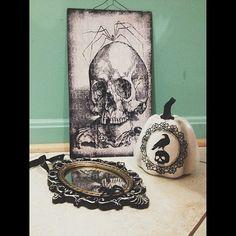New Halloween décor.  #halloween #mirror #skull #pumkin #raven