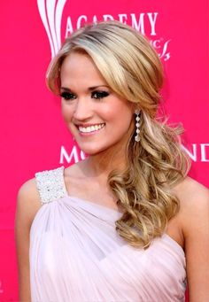 Pictures of Carrie Underwood Loose Ponytail