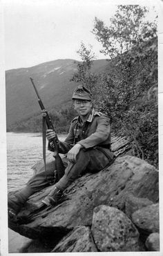 gebirgsjäger - pin by Paolo Marzioli German Soldiers Ww2, German Army, Germany Ww2, War Image, Military Pictures, Historical Pictures, Military History, Armed Forces, World War Ii
