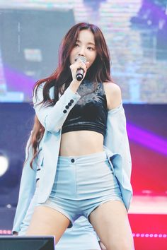Top beautiful women & pretty girl in the world Sexy Asian Girls, Beautiful Asian Girls, Beautiful Women, Kpop Girl Groups, Kpop Girls, Seolhyun, Stage Outfits, Shows, Hot Pants