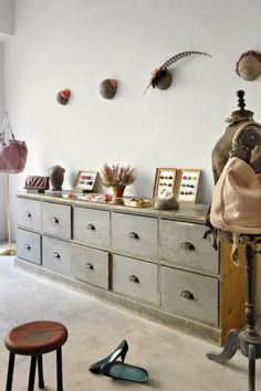 amazing set of drawers for a retail house design designs designs design Sweet Home, Set Of Drawers, Vintage Drawers, Interior Inspiration, Painted Furniture, New Homes, House Design, Design Room, Set Design