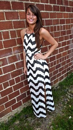 North Shore Waves Maxi in Blackhttp://shoptherage.com/collections/piko-collection/products/red-piko-turtleneck