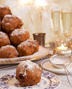 Op oudejaarsdag eten we ons buikje rond met lekkers. Ongezond natuurlijk, want het meeste is gefrituurd. Maar wat is nu gezonder? Een oliebol of appelflap? | Flairathome.nl #FlairNL