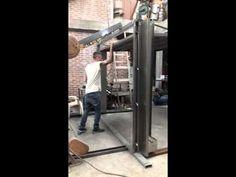Porton levadizo prefabricado ayala estructuras - YouTube
