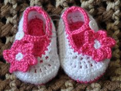 Ravelry: Lil Miss Mary Janes pattern by Rylie Hansen    These are just too cute!