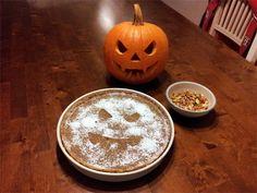 Amerikkalainen kurpitsapiirakka Pumpkin Carving, Birthdays, Halloween, Cake, Garden, Party, Desserts, Anniversaries, Tailgate Desserts