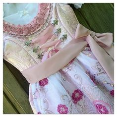 Dirndl couture by @feenland_design