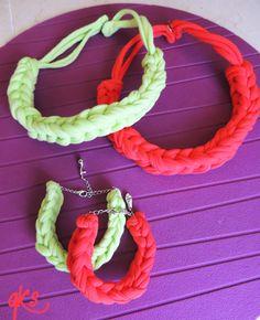 conjuntos de collar y pulsera cuadrado, color coral y verde....