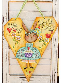 Cupcake Kisses by Deb Antonick. Exclusive Free Downloadable Pattern and wood surface available at www.ArtistsClub.com