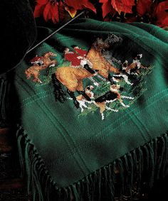 ENGLISH HUNTING SCENE WITH FOX HOUNDS VINTAGE CROSS STITCH PATTERN
