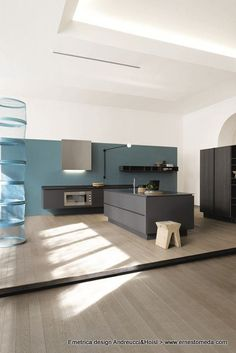 Lacquered kitchen EMETRICA by @Ernesto Meda | #Design Alessandro Andreucci, Christian Hoisl #kitchen