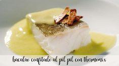 Bacalao confitado al pilpil con thermomix Canapes, Empanadas, Fish And Seafood, Panna Cotta, Cheesecake, Healthy Recipes, Healthy Food, Pudding, Cooking