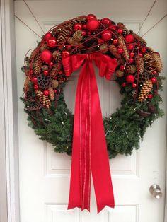 we2                                                                                                                                                                                 Mehr Prim Christmas, Christmas Design, Christmas Crafts, Christmas Decorations, Christmas Ornaments, Holiday Decor, Christmas Arrangements, Xmas Wreaths, Christmas Wonderland